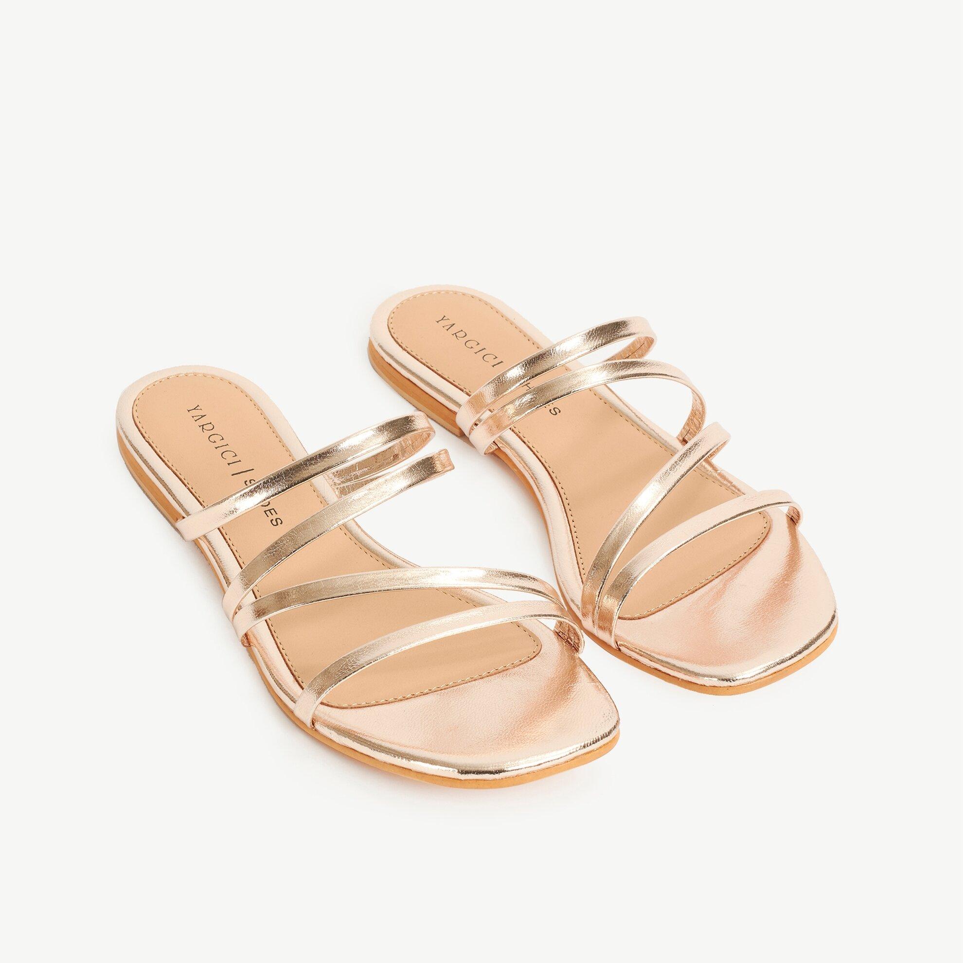 Çok Bantlı Metalik Deri Sandalet