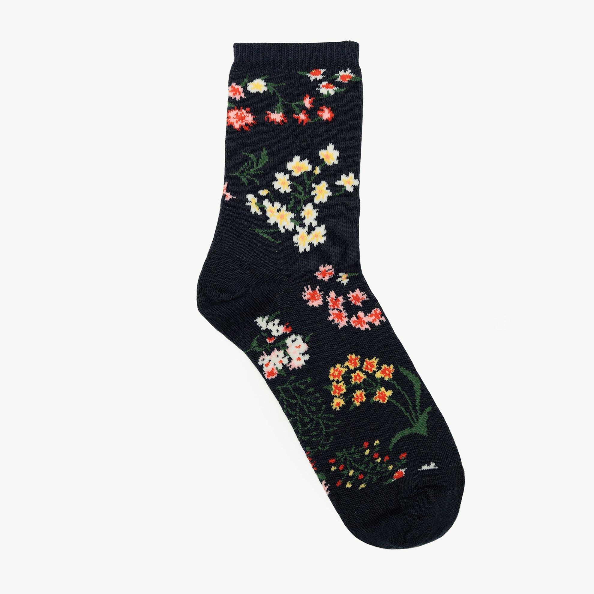 Çiçek Desenli Çorap