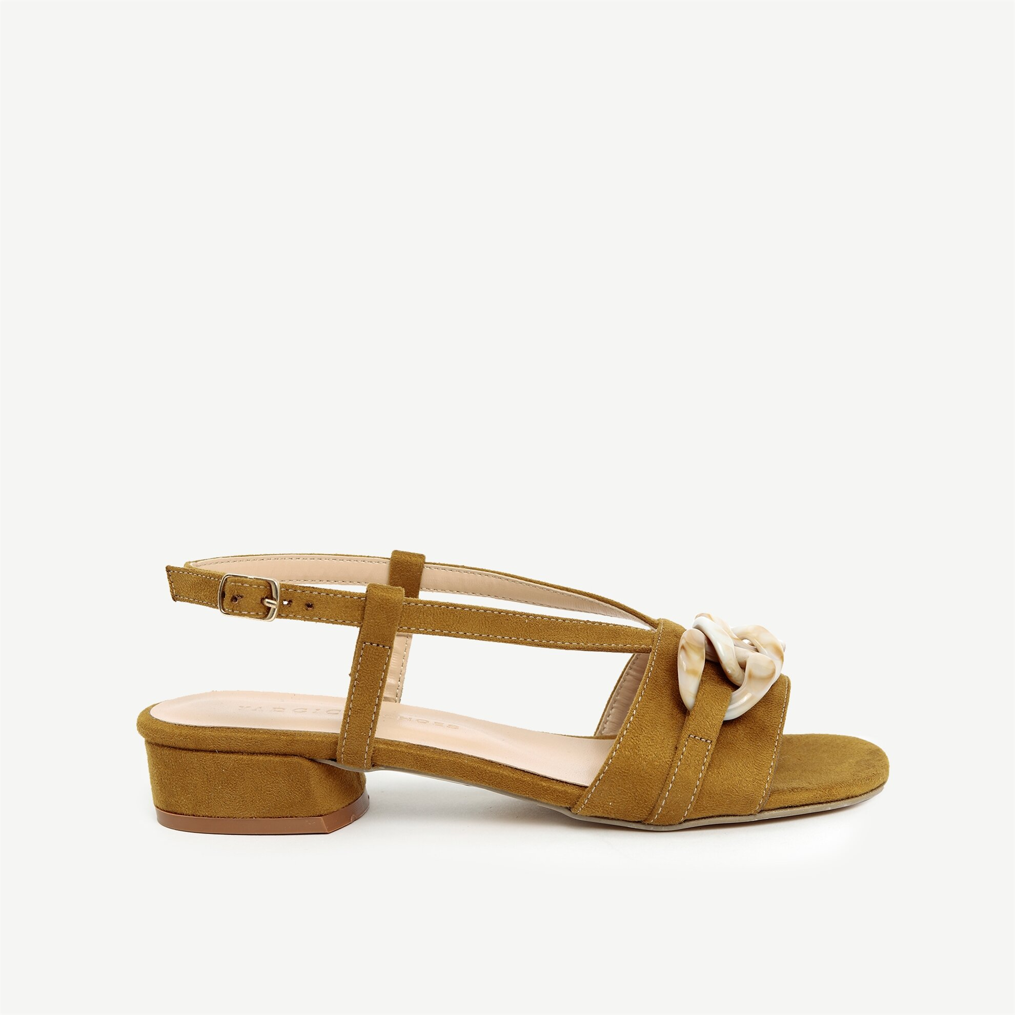Toka Detaylı Topuklu Sandalet