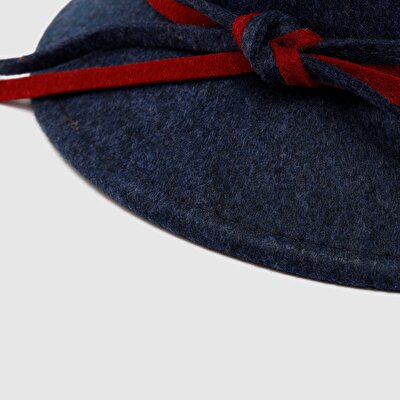 Damen Hut mit Schleife