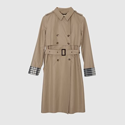 Picture of DoublE-Breasted Trenchcoat
