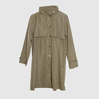 Picture of Slit Detailed Raincoat