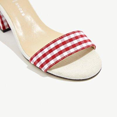 Resim Kare Desenli Topuklu Sandalet