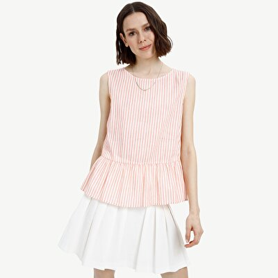 Picture of Sleeveless Gathering Detiled Blouse