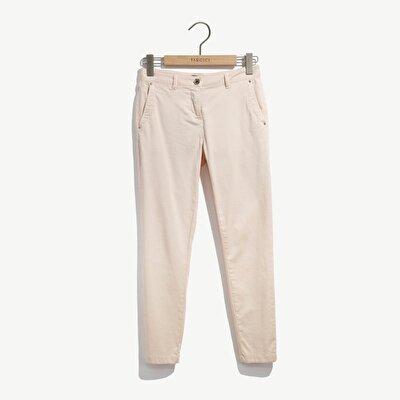Resim Dar Kalıp Paçası Yırtmaçlı Pantolon