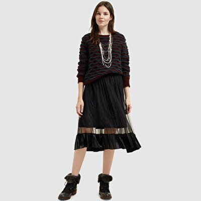 Picture of Velvet Pleat Detailed Skirt