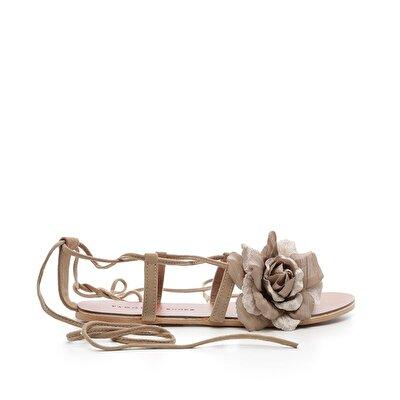 Resim Çiçek Detaylı Deri Sandalet