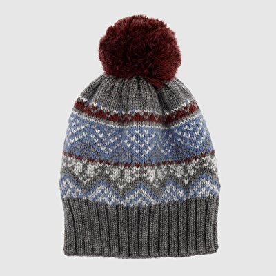 Mütze mit Bommeln