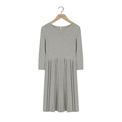 Short Sleeve Pleated Knit Dress