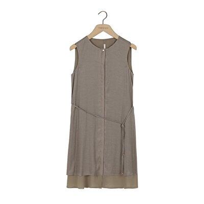 Kolsuz Pat Detaylı Elbise
