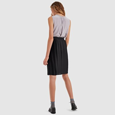 Pleated Belt Detailed Skirt