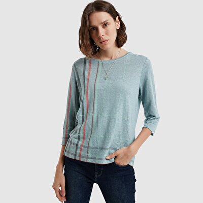 Round Neck 3/4 Sleeve Buttoned T-Shirt