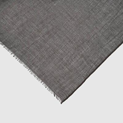 Einfarbiger Schal