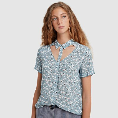 Picture of Cut Out Detail Shirt