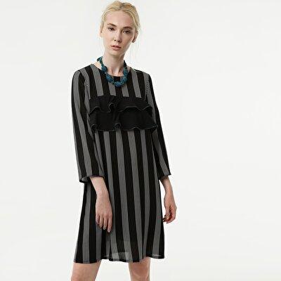 Resim Önü Fırfır Detaylı Elbise