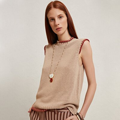 Sleeveless Knitwear