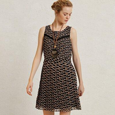 Resim Pli Detaylı Diz Üstü Elbise