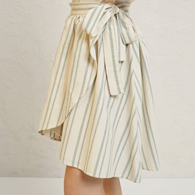 Picture of Tie Detail Skirt