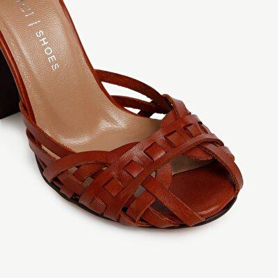 Sandalen mit Lederabsatz