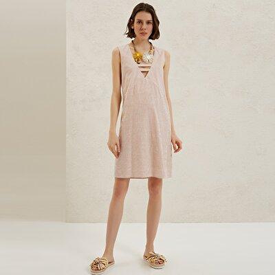 Resim A Kesim V Yaka Elbise