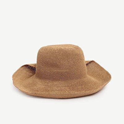 Düğme Detaylı Kloşe Şapka