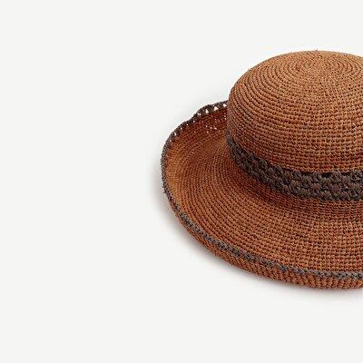 Ortası Çizgili Kloşe Şapka