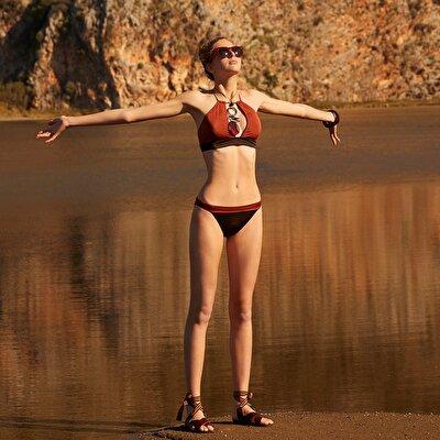 Bikinihose mit Gürtel