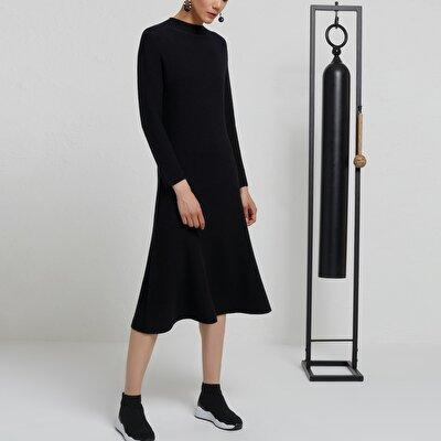 Dik Yaka Dikişsiz Triko Elbise