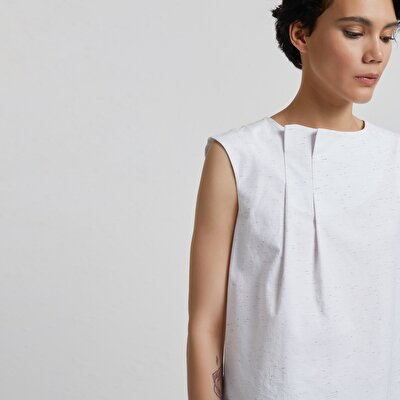 Pleat Detailed Sleeveless Blouse