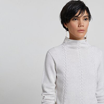 Uzun Kollu Dikişsiz Triko Kazak