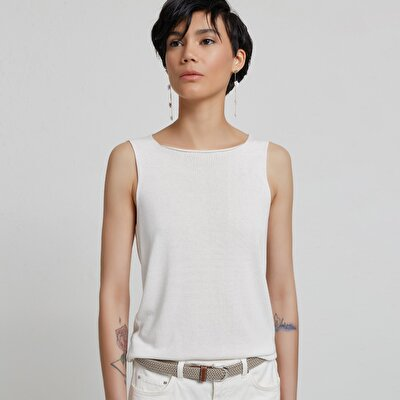 Sleeveless Back Detailed Knitwear