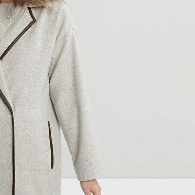 Damen Mantel mit Ledernähten und Kunstfellkragen