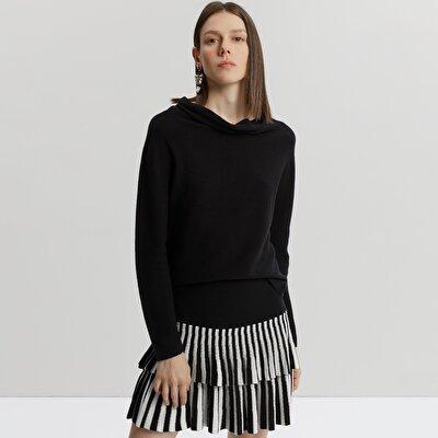 Nek Detailed Knitwear