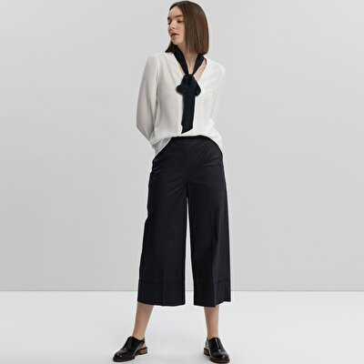 Belt Detailed Wide Leg Trousers