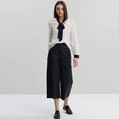Bel Detaylı Geniş Paça Pantolon