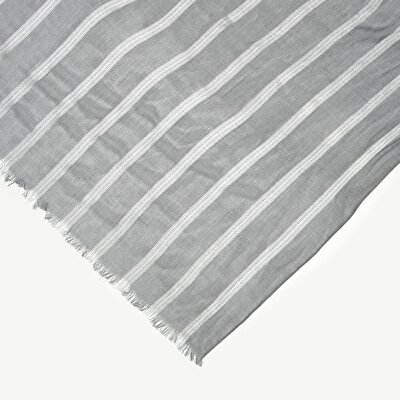 Scarf With Vertical Shinny Stripes