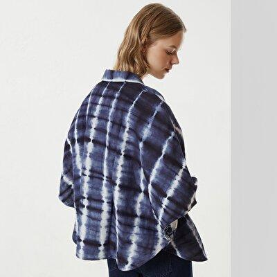 Blazer im Batik-Look