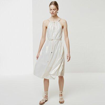Kleid Mit Ausschnittdetail