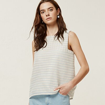 Crew Neck Sleeveless Blouse