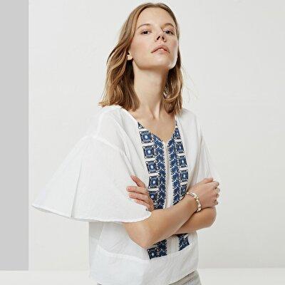Nakış Detaylı V Yaka Bluz