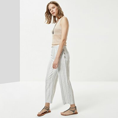 Button Detailed Trouser
