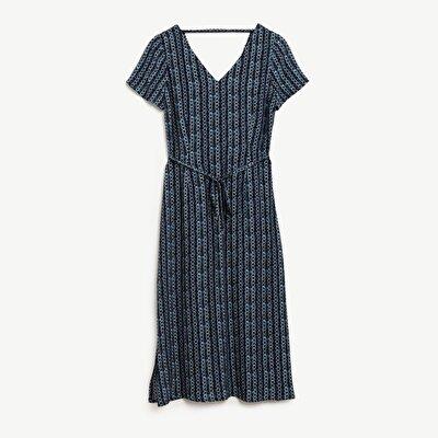 Kleid Mit Schlitzdetail